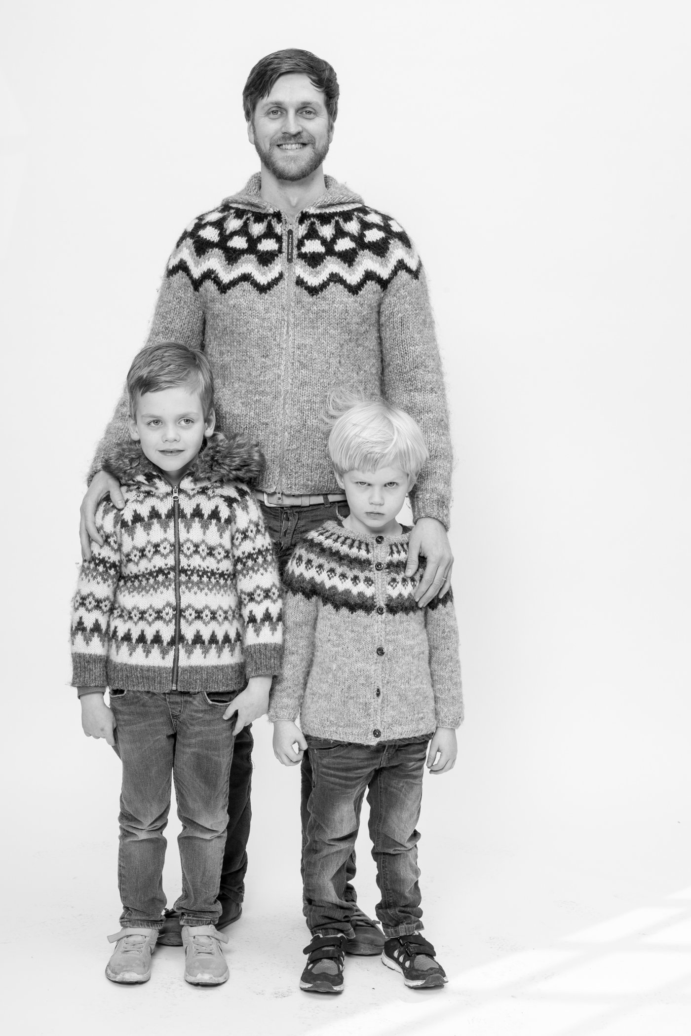 Ernir Erlingsson with his kids